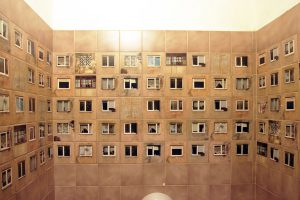 Redecoraron un baño y ahora parece estar en el medio de un barrio