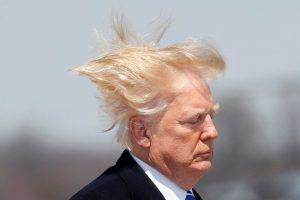 Expertos explican que sucede con el pelo del hombre más poderoso del mundo